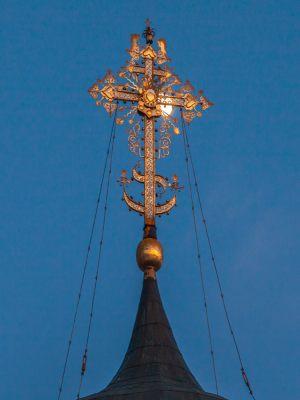 Георгиевский собор. Зимнее вечернее фото. Крест. Юрьев-Польский музей