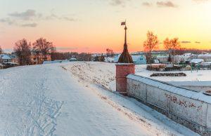 Прогулка по земляному валу. Юрьев-Польский музей. Территория. Зимнее фото