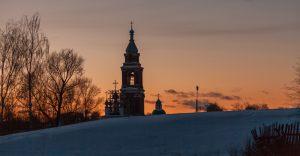 Покровская церковь на фоне заката. Юрьев-Польский. Зимнее фото