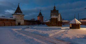 Территория монастыря. Юрьев-Польский музей. Зимнее вечернее фото