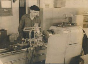 Рябов С.И., Мешкова А.И. – лучшие токари завода в 1966 году