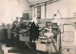 Варламова В.М. фрезеровщица, комсомолка, ударник коммунистического труда